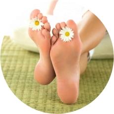 гладкие стопы ног